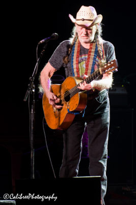 Willie Nelson 12.11.18 HiRes_Calibree-10 Web Logo