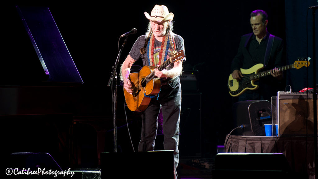 Willie Nelson 12.11.18 HiRes_Calibree-12 Web Logo